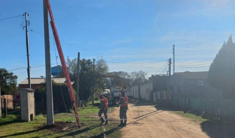 Foto de capa da notícia: TRAVESSA DO BOM FIM RECEBE EXTENSÃO DE REDE ELETRICA