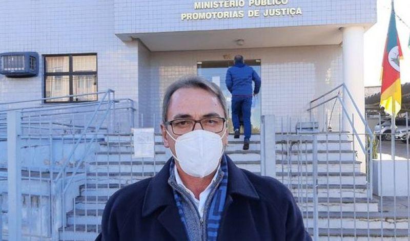 Foto de capa da notícia: PREFEITO VAI AO MP E PEDE AÇÃO EM FAVOR DA PONTE DO PASSO DO PINTO