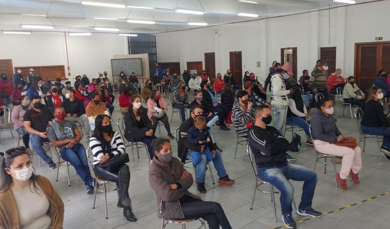Foto de capa da notícia: SÃO GABRIEL VACINA PESSOAS COM 35 E 34 ANOS NESTA QUINTA-FEIRA