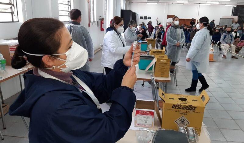 Foto de capa da notícia NESTA TERÇA, SÃO GABRIEL APLICA SEGUNDAS DOSES MANHÃ E TARDE