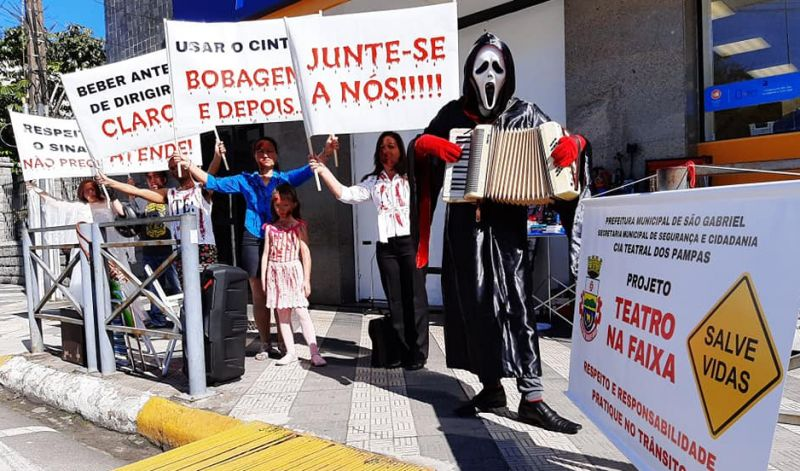 Foto de capa da notícia: PROJETO APRESENTA MENSAGENS DE CONSCIENTIZAÇÃO