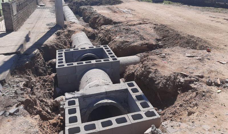 Foto de capa da notícia: NOVO CANAL DE ESCOAMENTO DA ÁGUA DA CHUVA RESOLVE PROBLEMA