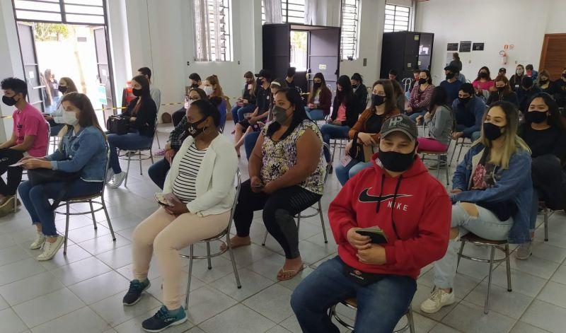 Foto de capa da notícia: SAÚDE VACINOU 1.704 PESSOAS EM DIA DE MOBILIZAÇÃO