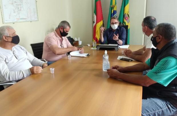 """Foto de capa da notícia: PREFEITURA LANÇA """"BLITZ DO LIXO"""" PARA CONSCIENTIZAR POPULAÇÃO"""