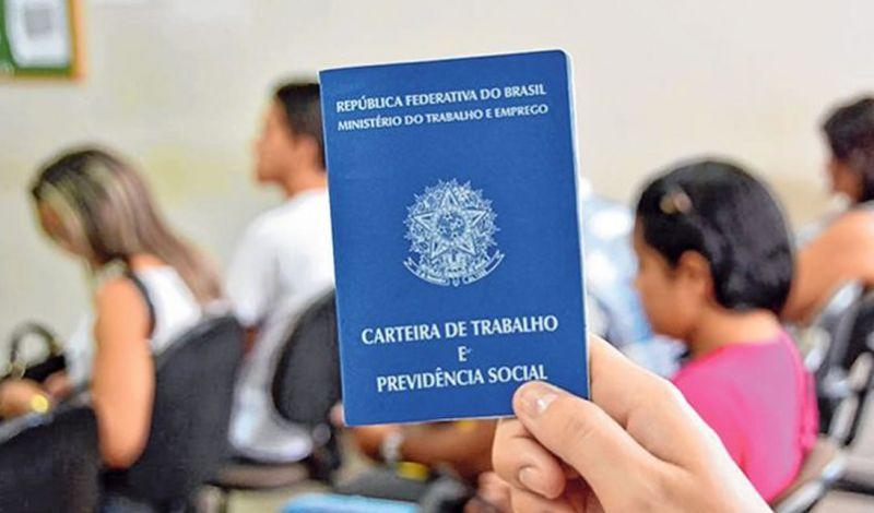 Foto de capa da notícia: SINE NA ESCOLA LEVA PALESTRAS PARA EDUCANDÁRIOS