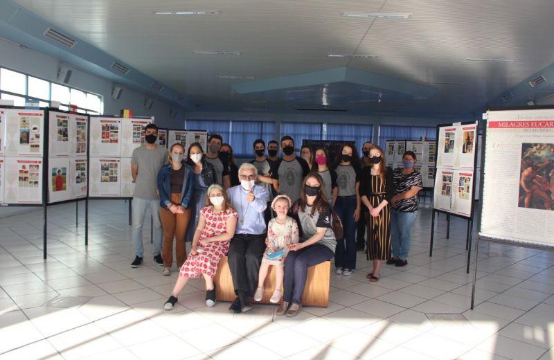Foto de capa da notícia: Santuário de Caravaggio promove exposição sobre  Milagres Eucarísticos, idealizada pelo beato Carlo Acutis