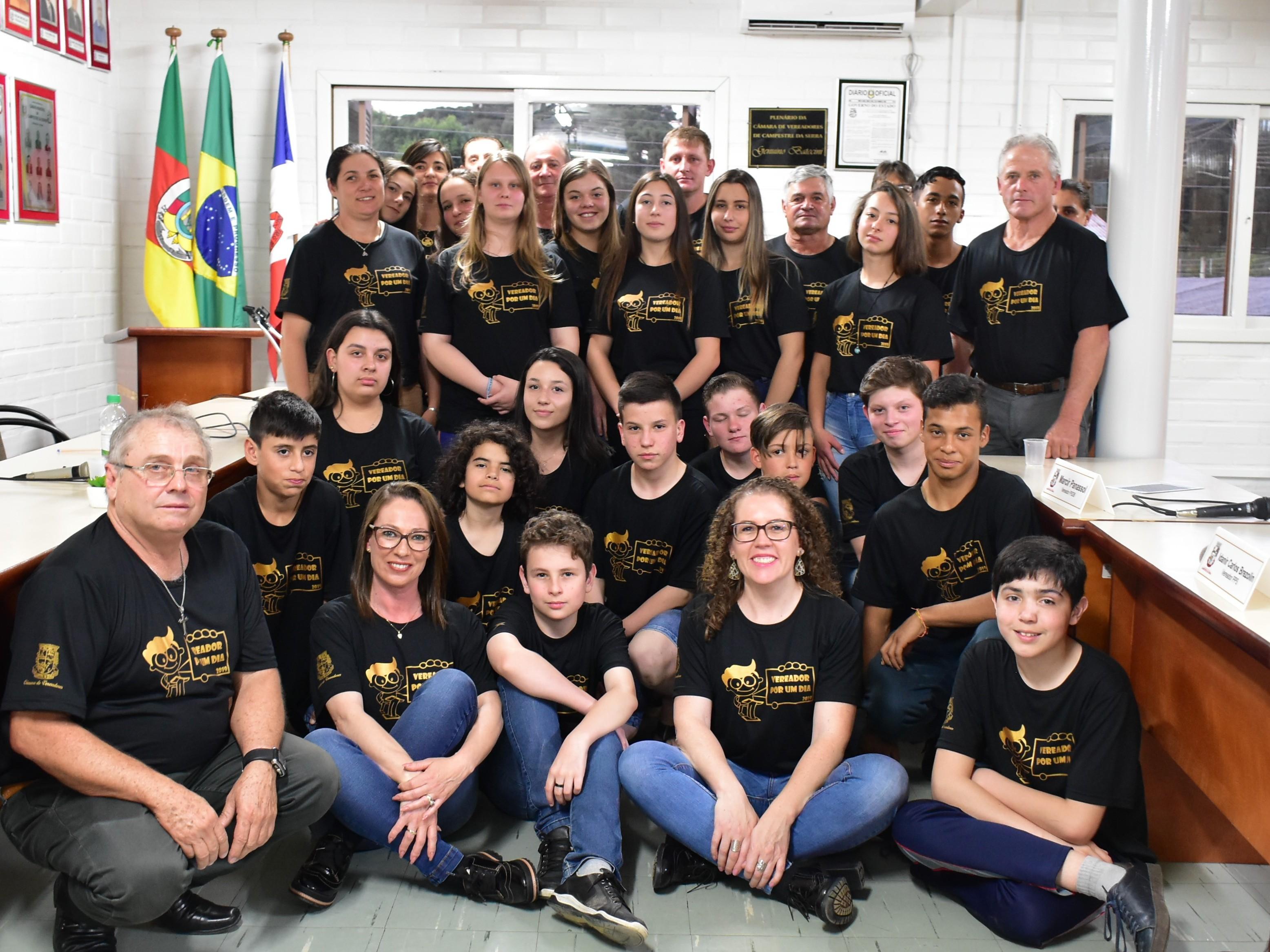 Foto de capa da notícia Sessão Solene do projeto Vereador Por Um Dia foi um sucesso