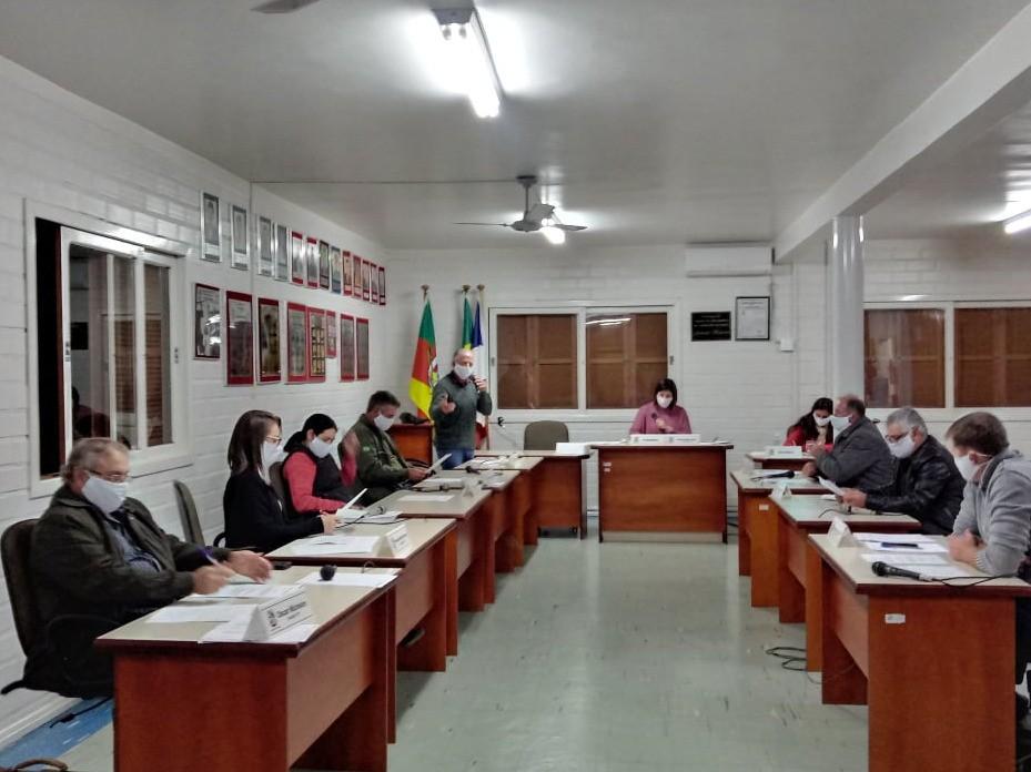 Foto de capa da notícia: Sessão especial para apreciar o veto do Prefeito
