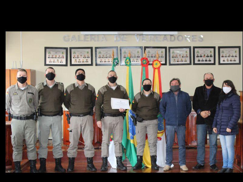 Foto de capa da notícia: Entregue a Moção Nº 007/2020 para a Brigada Militar Ipeense