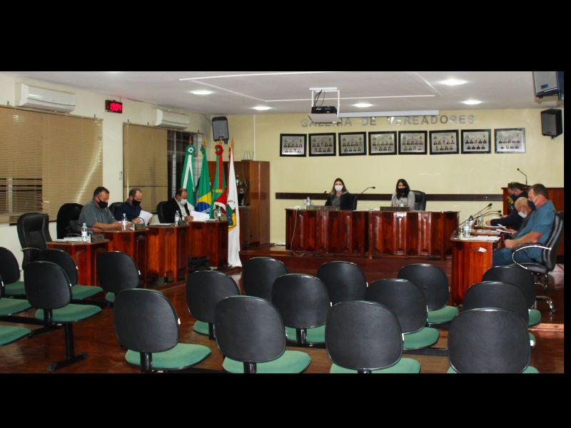 Foto de capa da notícia: Confira agora como foi a Sessão Plenária Ordinária de ontem, 04 de agosto de 2020, na Câmara Municipal de Vereadores de Ipê