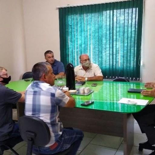 Foto de capa da notícia: Vereadores se reúnem com Poder Executivo