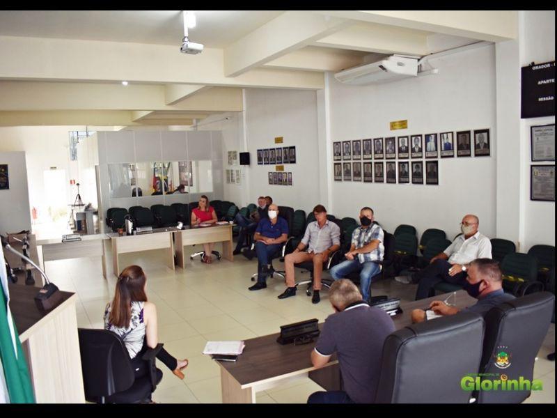 Foto de capa da notícia Secretária de Educação participa de reunião com Vereadores