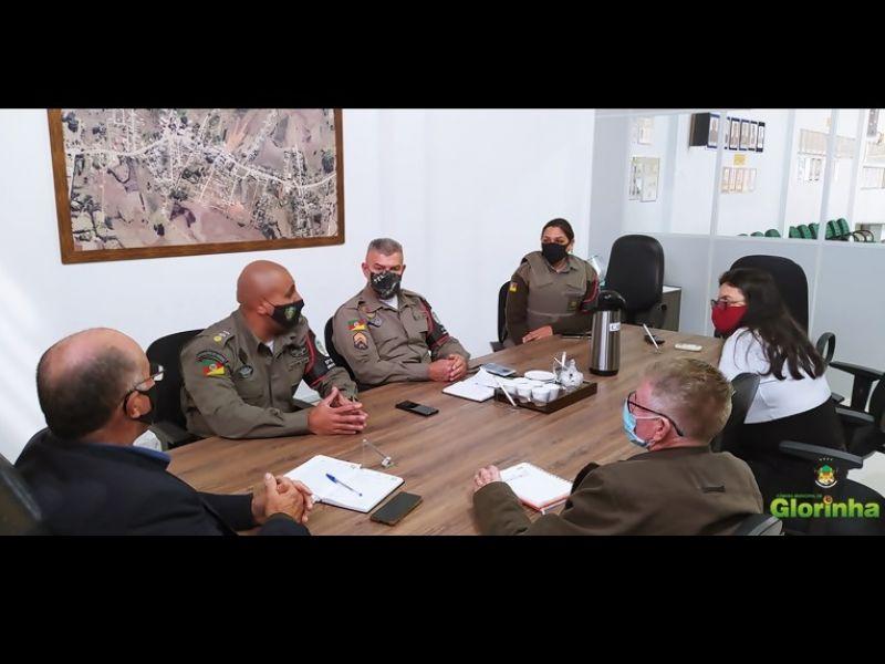 Foto de capa da notícia: Presidente da Câmara recebe visita de apresentação do novo Comandante do 17º Batalhão de Gravataí/Glorinha