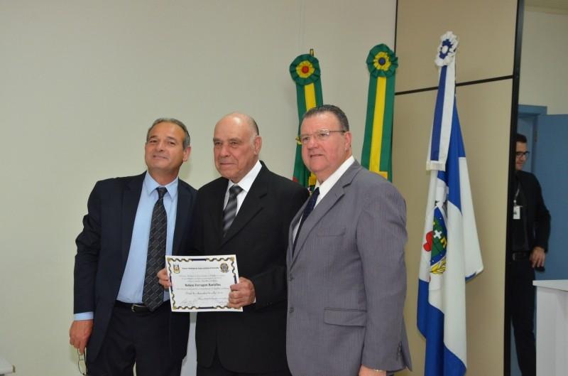 Foto de capa da notícia Presidente Flávio Soares prestigia Sessão Solene na Câmara de Santo Antônio da Patrulha