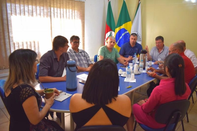 Foto de capa da notícia Vereadores se reúnem com Conselheiras Tutelares do Município