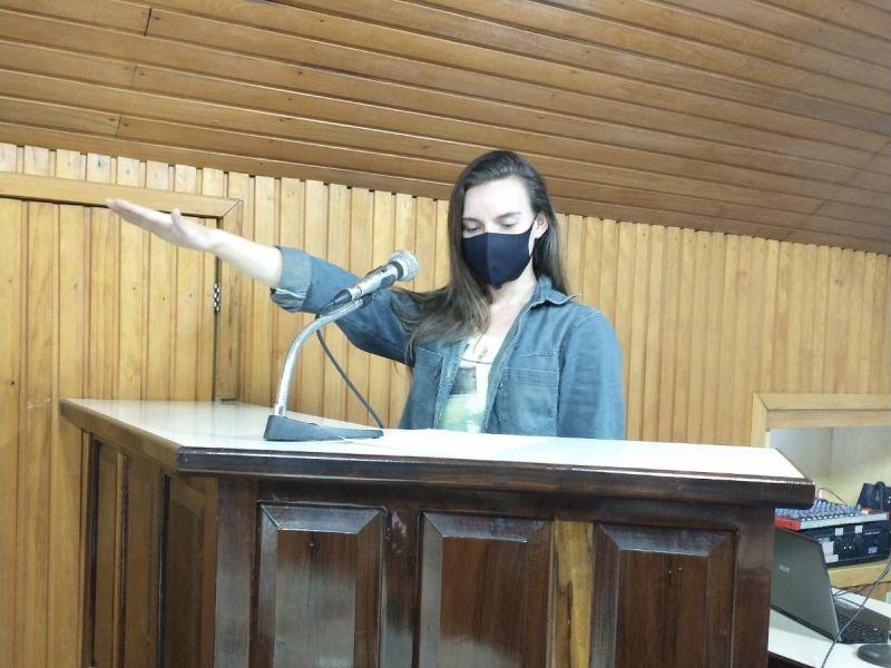 Foto de capa da notícia SUPLENTE JANICE SEIBT ASSUME CADEIRA NA CASA LEGISLATIVA