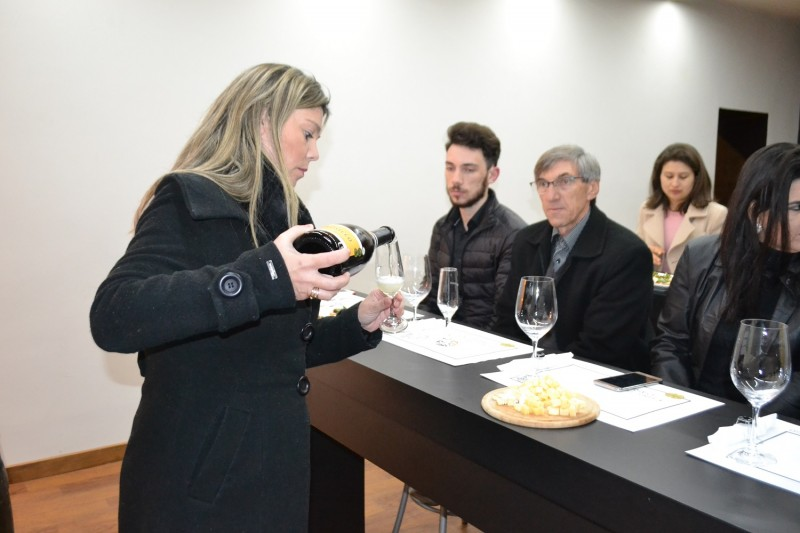 Foto de capa Vinícola Peterlongo recebeu a Confraria do Espumante