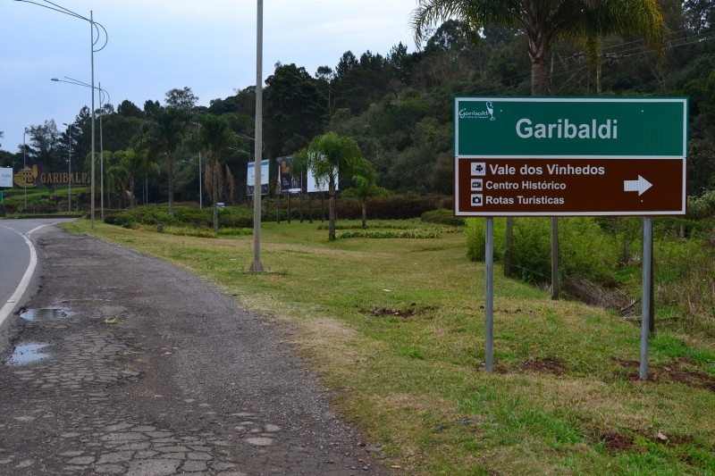 Foto de capa Novas placas com indicações turísticas são instaladas em Garibaldi