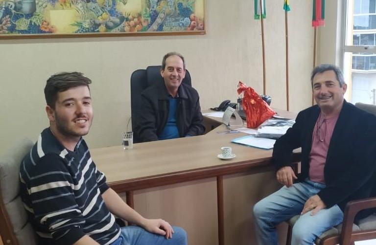 Foto Reunião com o Prefeito de Vacaria, Amadeu Boeira.