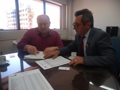 Foto de capa Associação dos Municípios dos Campos de Cima da Serra - AMUCSER se manifesta contrariamente a redução de municípios.