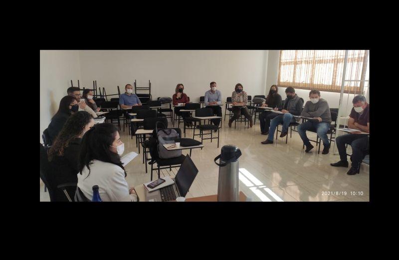Foto de capa da notícia: Reunião de Secretários(a) de Saúde dos Municípios que compõem a AMUCSER.