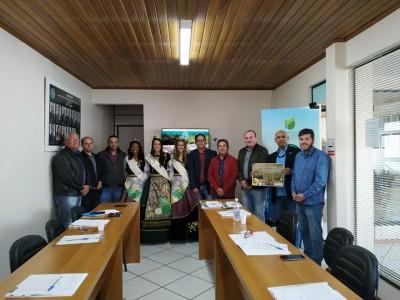 Foto de capa Assembleia Geral Ordinária AMUCSER