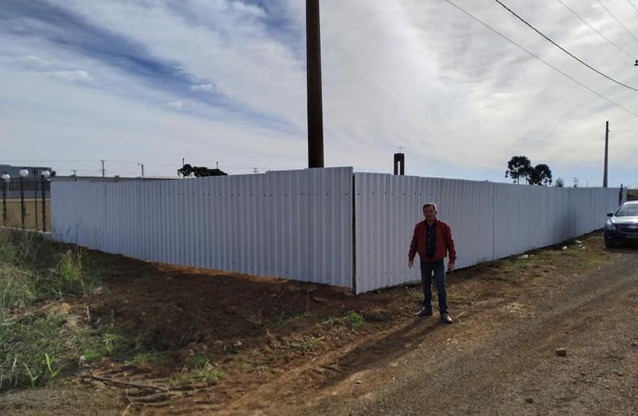 Foto de capa da notícia: Visita ao terreno onde será construída a Sede da AMUCSER, do CONDESUS e do COREDE.