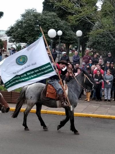 Foto de capa Desfile Farroupilha em Vacaria.