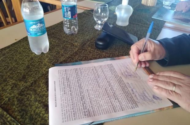 Documento assinado pelas lideranças