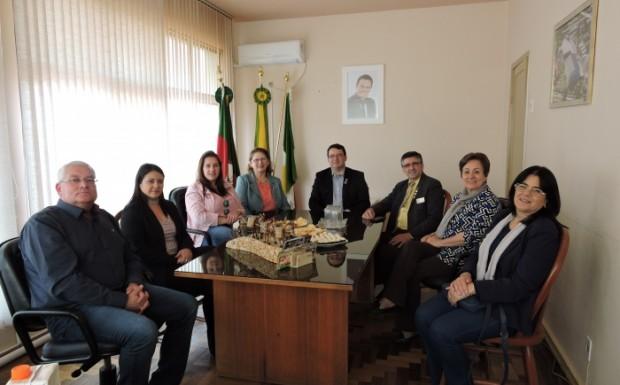 Reunião foi no gabinete do prefeito