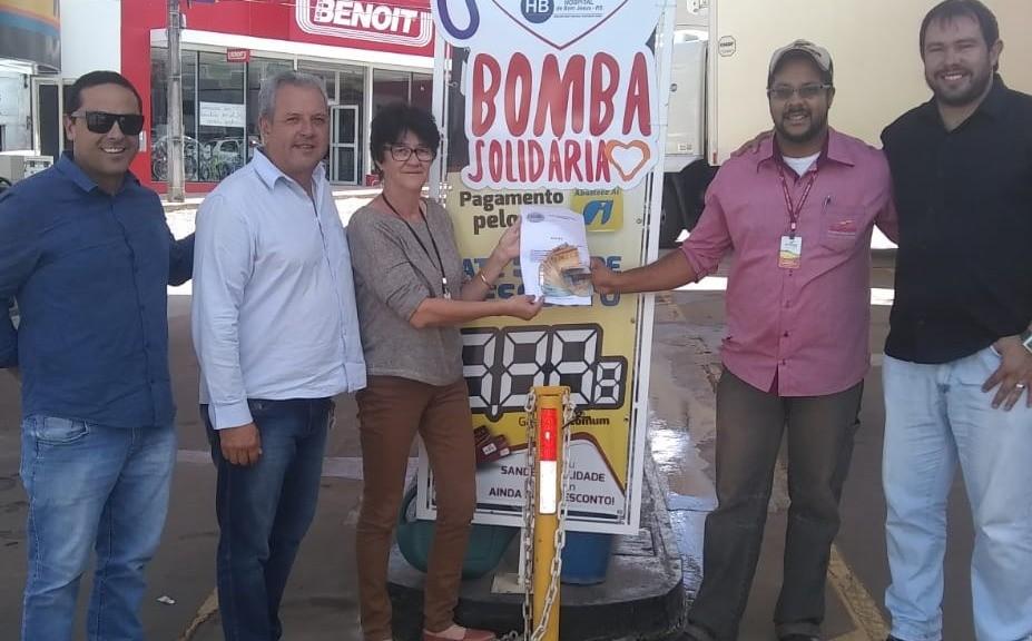 """Foto de capa da notícia: """"BOMBA SOLIDÁRIA"""""""