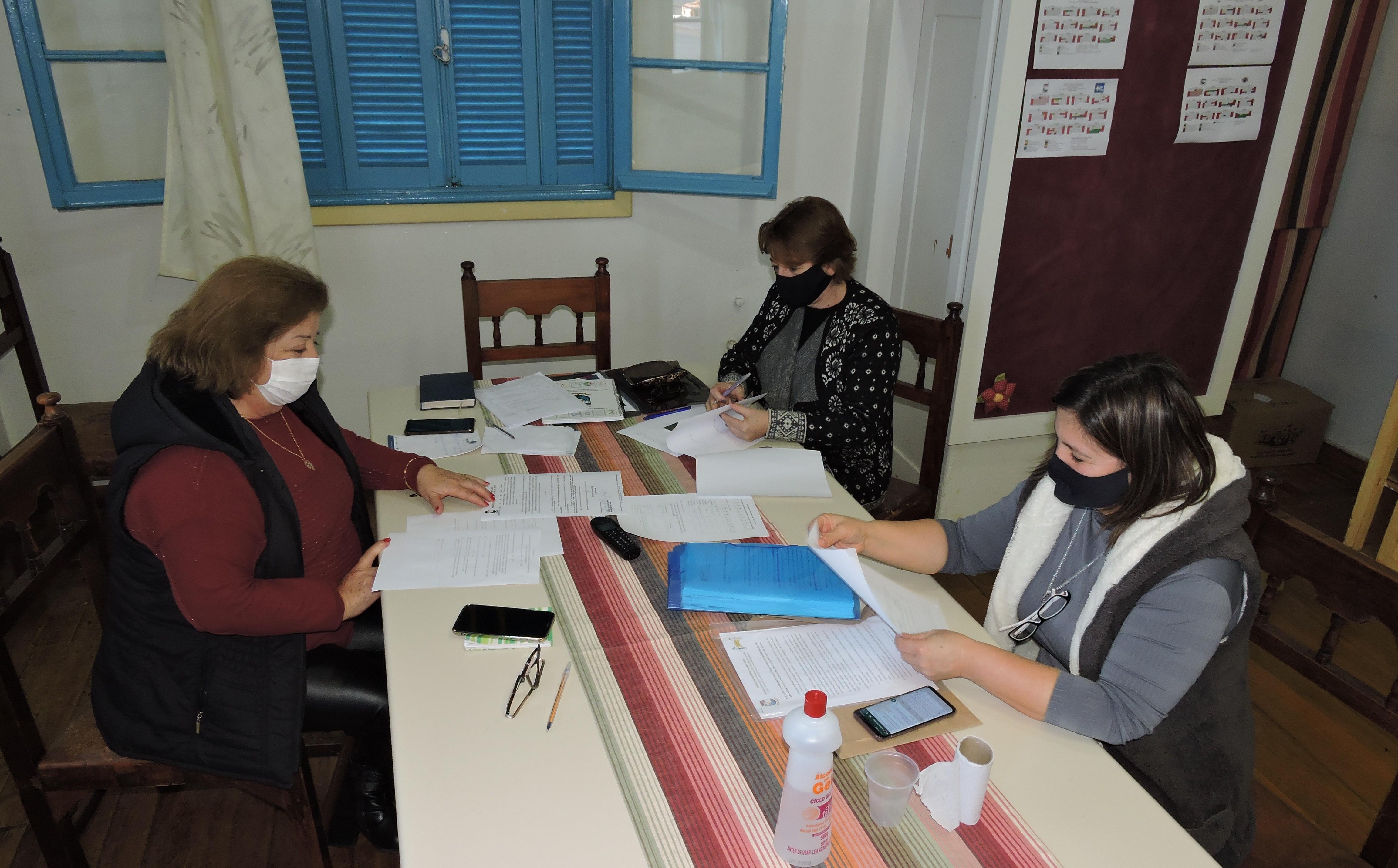 Foto de capa da notícia SMEC estuda modalidades de recuperação das horas letivas