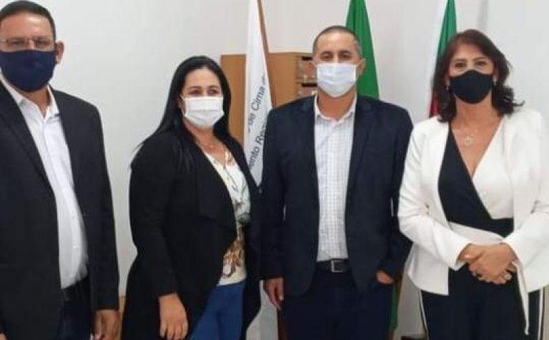 Foto de capa da notícia: PREFEITO DE AUSENTES É O NOVO PRESIDENTE DA AMUCSER