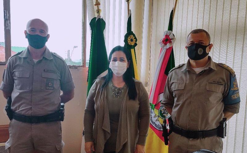 Foto de capa da notícia Prefeita recebe comando da Brigada Militar na Serra