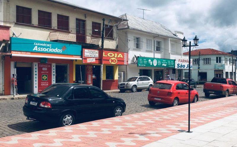 Foto de capa da notícia Governo autoriza a abertura do comércio e restaurantes no sábado