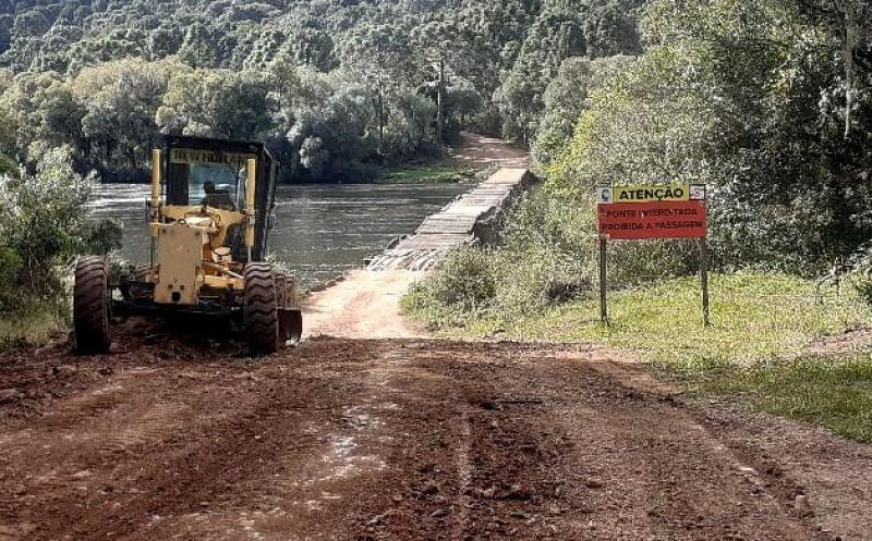 Foto de capa da notícia Começam as melhorias nas estradas da região do Santo Inácio