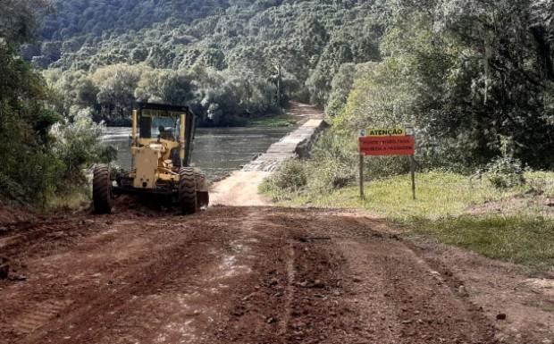 Foto de capa da notícia: Começam as melhorias nas estradas da região do Santo Inácio