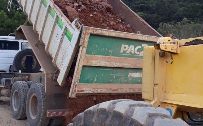 Foto de capa da notícia Avança o roteiro de serviços de melhorias nas estradas do interior