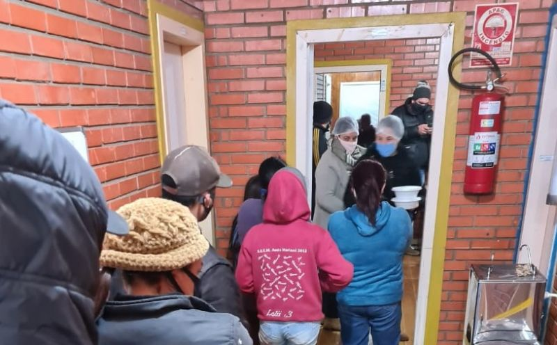 Foto de capa da notícia Sopão solidário distribui aproximadamente duas mil marmitas em noites de frio intenso