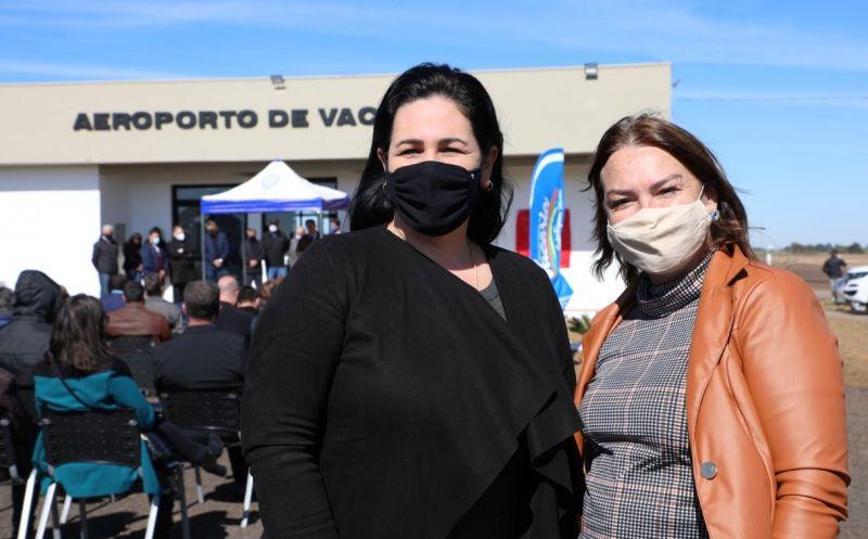 Foto de capa da notícia Prefeita participa da solenidade de início dos voos regionais no Aeroporto de Vacaria