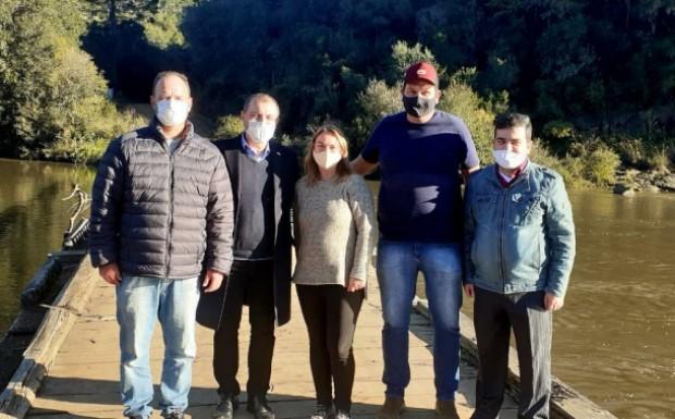 Foto de capa da notícia: Prefeita e lideranças de Bom Jesus ressaltam anúncio do governador de SC sobre obras na ponte das Goiabeiras