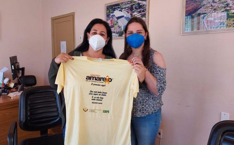 Foto de capa da notícia Prefeita recebe camiseta da campanha Setembro Amarelo