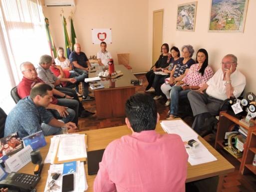 Foto de capa da notícia: Primeiro escalão do executivo municipal teve reunião dia 28 de janeiro