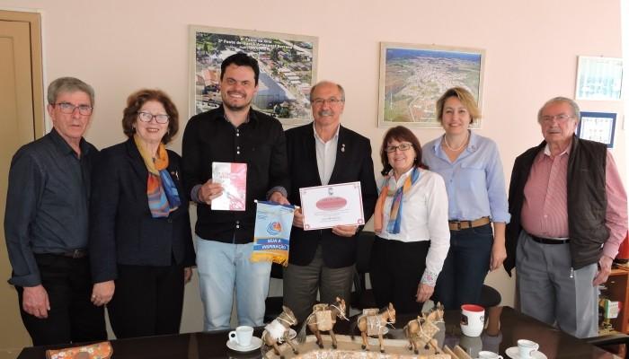 Foto de capa da notícia Governador do Rotary visita Bom Jesus