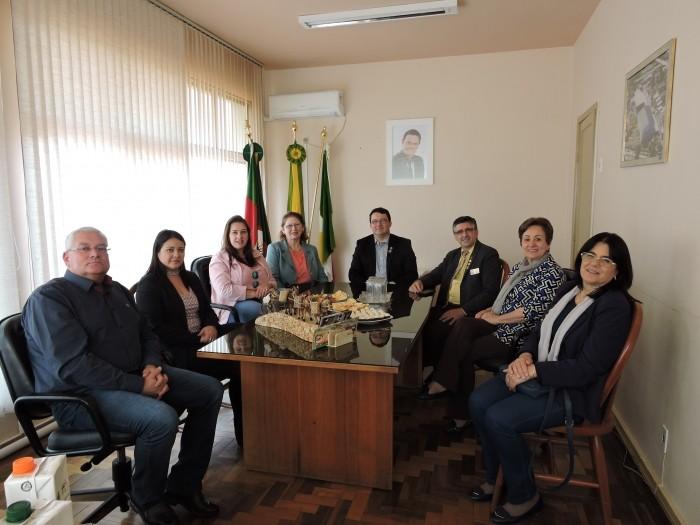 Foto de capa da notícia Governador Distrital do Rotary visita Bom Jesus