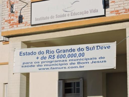 Foto de capa da notícia: Prefeitos decidem em assembleia da Famurs garantir repasses da saúde