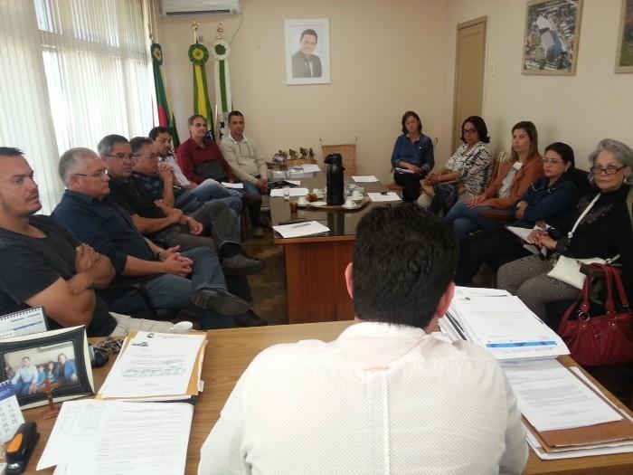 Foto de capa da notícia Reunião trata de temas importantes