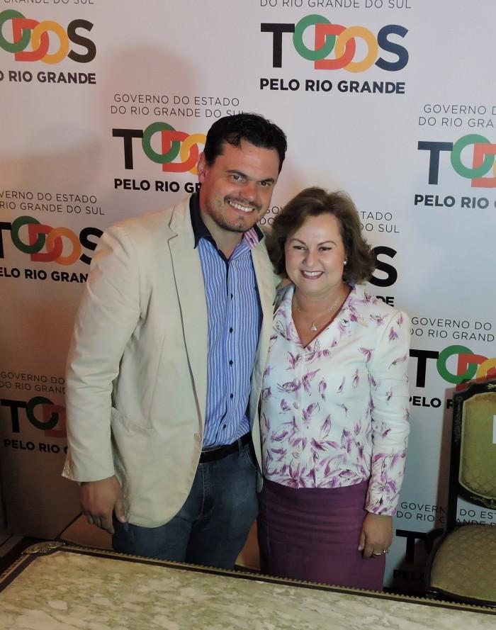 Foto de capa da notícia Prefeitos prestigiam posse de Silvana Covatti como governadora do Estado
