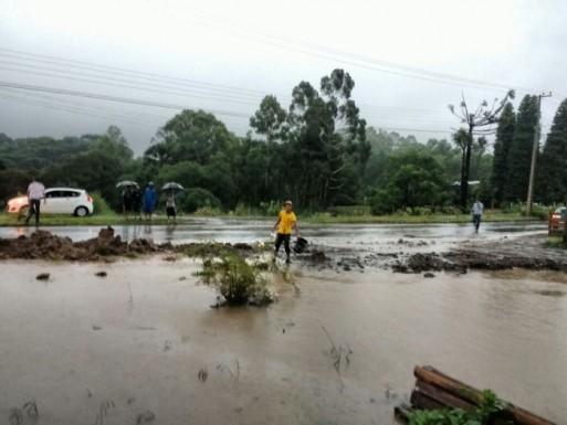 Foto de capa da notícia: Prefeito de Bom Jesus promove reunião de emergência com secretariado por causa das chuvas.