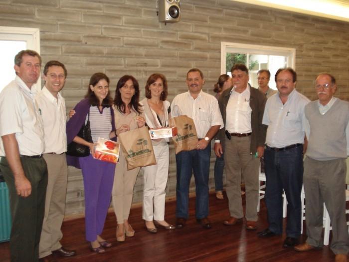 Foto de capa da notícia Almeida participou de reunião da AMUCSER e discutiu melhorias para a Saúde